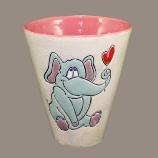 Elephant in love cone mug